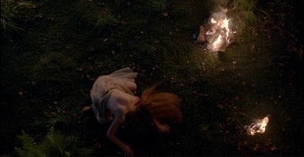 geillis-duncan-dance-outlander-1x10-sonya-heaney