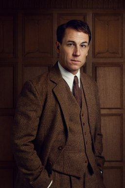 Tobias_Menzies_as_Frank_Randall