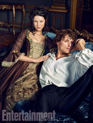 Outlander-Caitriona-Balfe-and-Sam-Heughan-04